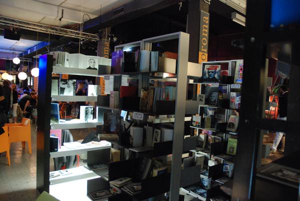 Bookshop caff letterario for Pultrone arredamenti