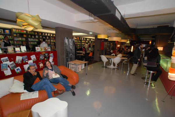 Bibliocaff caff letterario for Pultrone arredamenti